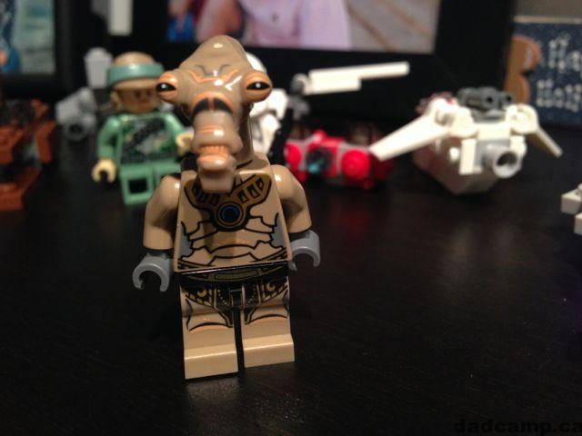 2013 Star Wars LEGO Advent Calendar, December 15: Geonosian Pilot