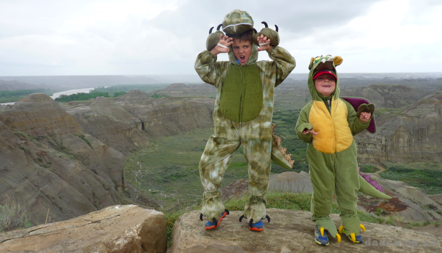 Dinosaurs In Dinosaur Provincial Park - DadCAMP