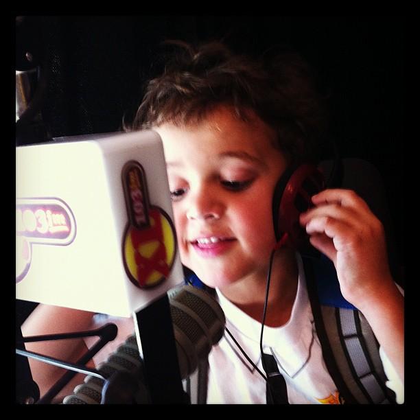 Zacharie on the radio