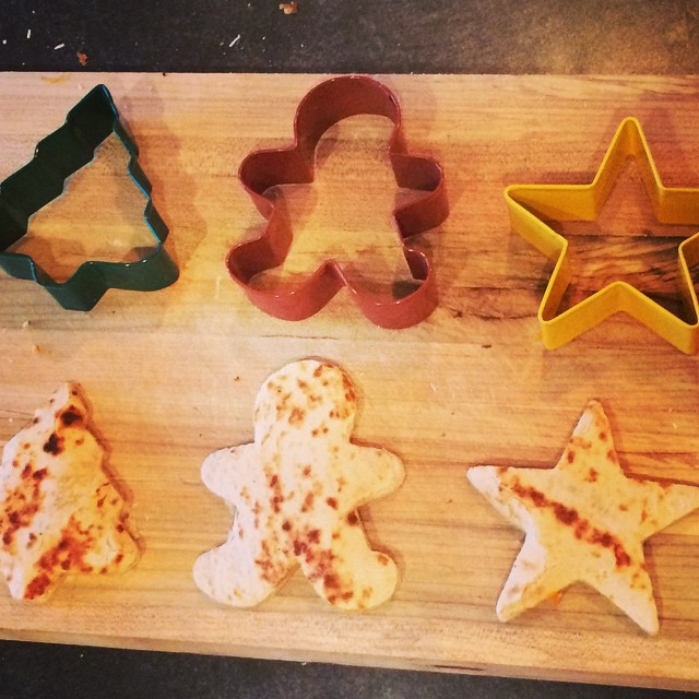 Christmas Quesedillas. Why use your shapes just for cookies? #lmdblogger #oldelpaso #mexican #quesedilla #taconight #christmas #cookies #stars #gingerbread @lifemadedelish @oldelpaso