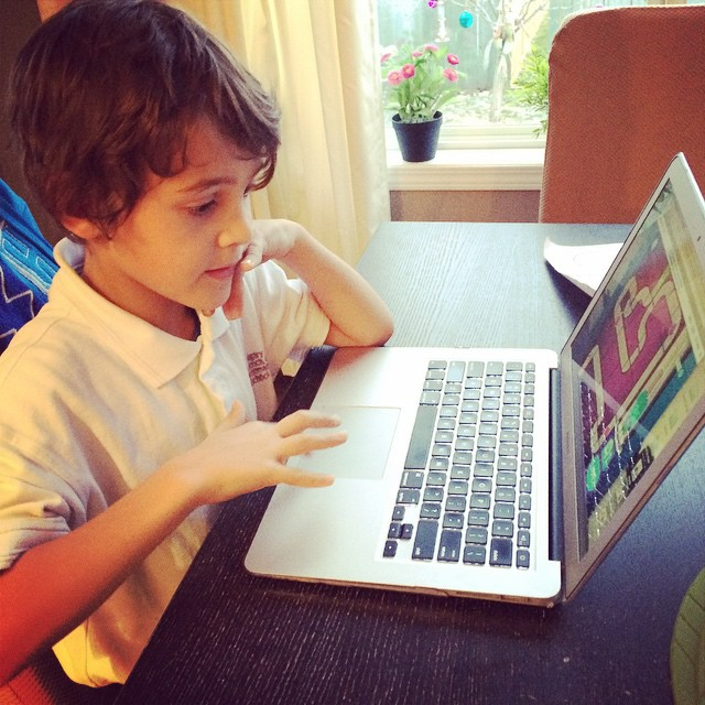 They taught him how to find safari and use a keyboard at school. Not sure how I feel about this, yet. #parenting #zacharie #toofast