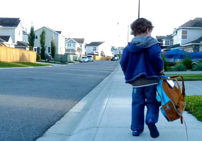 Zacharie Walking Alone