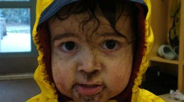 Zacharie mud at daycare