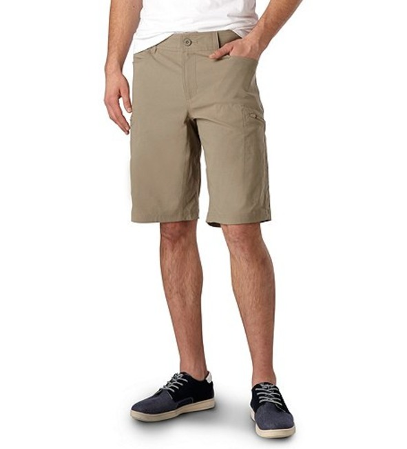 Denver Hayes: The Best Cargo Shorts For Guys Who Are Afraid Of Getting
